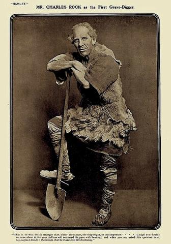 Hamlet: Charles Rock as First Grave-Digger