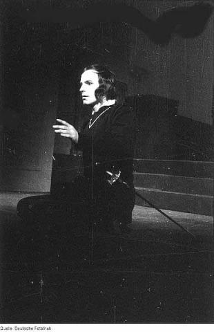 Hamlet, Horst Caspar as Hamlet, 1945