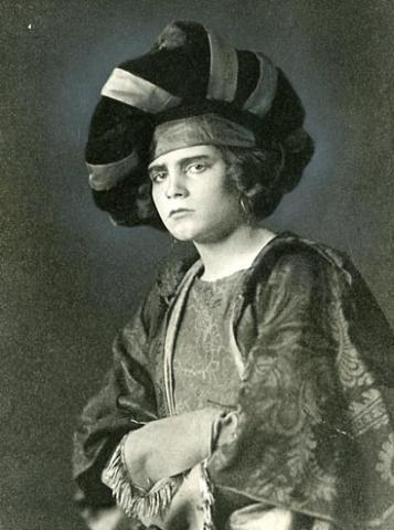 The Taming of the Shrew, Laurence Olivier as Katherina, 1922
