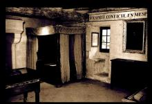 La Devinière: Bedroom in The Home of Rabelais